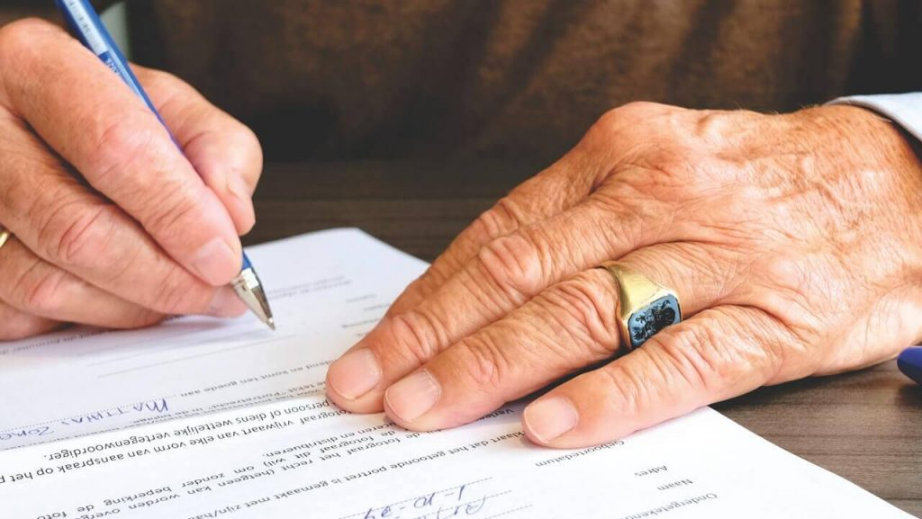 lease agreement signing